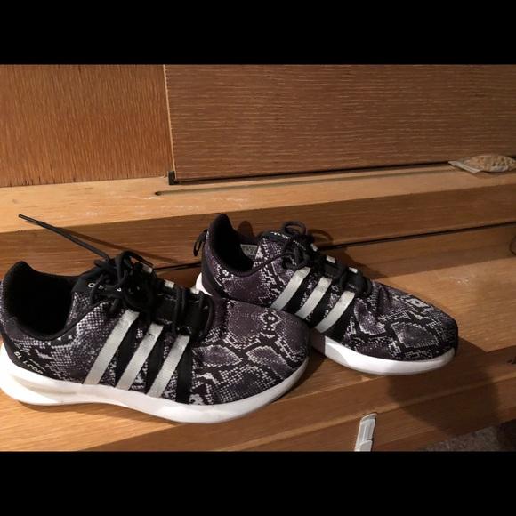 85% de descuento Adidas zapatos Snake Print zapatilla 65 poshmark